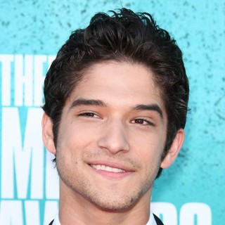 Tyler Posey in 2012 MTV Movie Awards - Arrivals