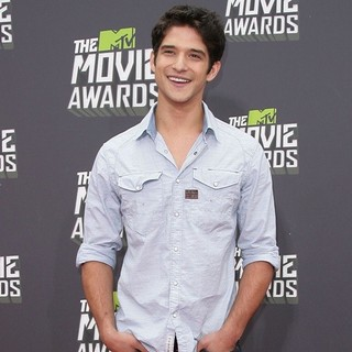 Tyler Posey in 2013 MTV Movie Awards - Arrivals - tyler-posey-2013-mtv-movie-awards-04