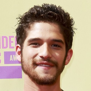 Tyler Posey in 2012 MTV Video Music Awards - Arrivals