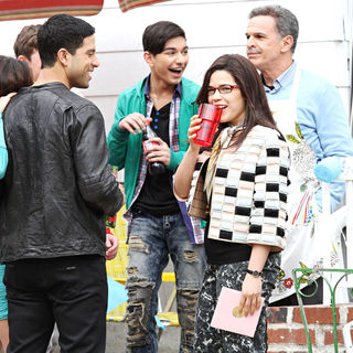 "Adam Rodriguez, Mark Indelicato, America Ferrera, Tony Plana in On Location with ""Ugly Betty"""
