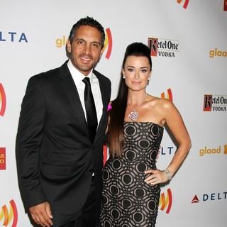 Kyle Richards in The 23rd Annual GLAAD Media Awards - umansky-richards-23rd-annual-glaad-media-awards-01
