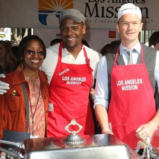 Blair Underwood, Neil Patrick Harris in The Los Angeles Mission's Thanksgiving for Skid Row Homeless