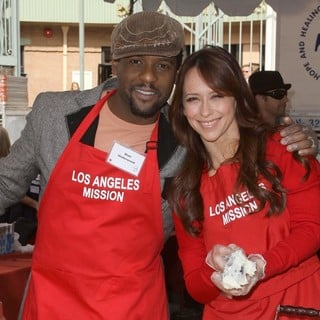 Blair Underwood, Jennifer Love Hewitt in 75th Anniversary of The Los Angeles Mission Serving Thanksgiving Dinner to The Homeless
