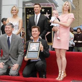 Carrie Underwood, Nigel Lythgoe, Ryan Seacrest, Simon Fuller, Natalie Swanston in Simon Fuller Receives A Star on The Hollywood Walk of Fame