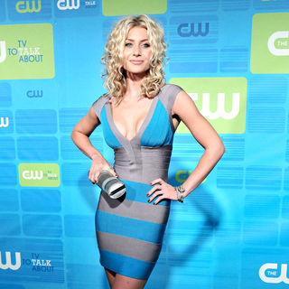 Alyson Michalka in 2010 The CW Network UpFront - Arrivals - upfront_the_cw_010_wenn5483916