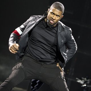 Usher - Usher Performing Live in Concert