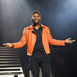 Usher in Usher Performs at The Apollo Hammersmith