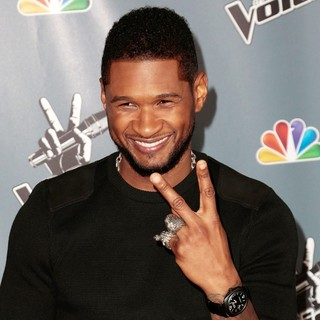 Usher in Screening of NBC's The Voice Season 4 - Arrivals - usher-screening-the-voice-season-4-03