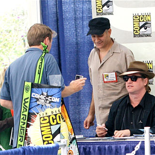 Val Kilmer in Signs Autographs During Comic Con 2010 - Day 2