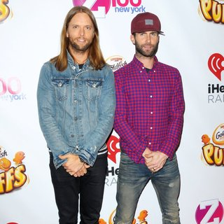 Maroon 5 in Z100's Jingle Ball 2014 - Red Carpet Arrivals - valentine-levine-z100-s-jngle-ball-2014-02