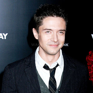 Topher Grace in Los Angeles World Premiere of 'Valentine's Day' - Red Carpet