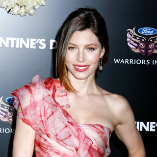 Jessica Biel in Los Angeles World Premiere of 'Valentine's Day' - Red Carpet