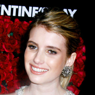 Los Angeles World Premiere of 'Valentine's Day' - Red Carpet