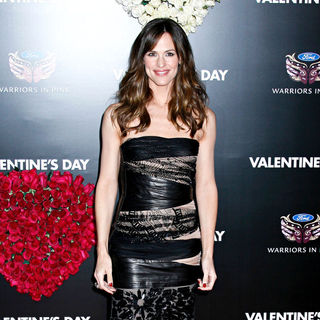 Jennifer Garner in Los Angeles World Premiere of 'Valentine's Day' - Red Carpet - valentines_day_28_wenn2735334