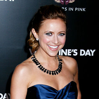 Christine Lakin in Los Angeles World Premiere of 'Valentine's Day' - Red Carpet