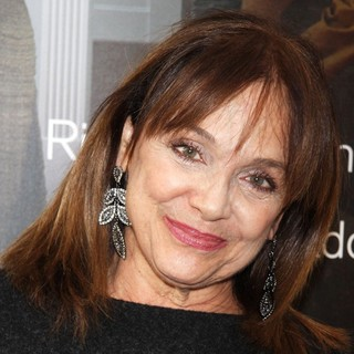 Valerie Harper in Opening Night of The Assembled Parties - Arrivals
