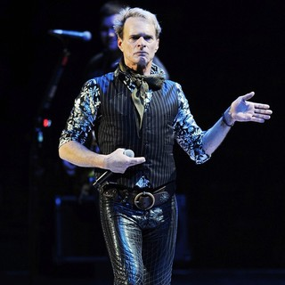 David Lee Roth - Van Halen Performing Live During The Different Kind of Truth Tour 2012