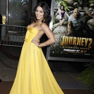 Vanessa Hudgens in The Los Angeles Premiere of Journey 2: The Mysterious Island - Arrivals