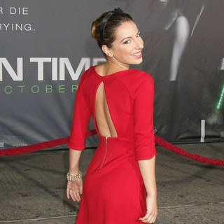 Vanessa Lengies in The Premiere of In Time - Arrivals