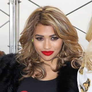 The Saturdays, Vanessa White in The Saturdays Promoting Chasing The Saturdays