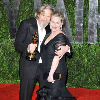 Jeff Bridges, Susan Geston in The 82nd Annual Academy Awards (Oscars) - Vanity Fair Party - Arrivals