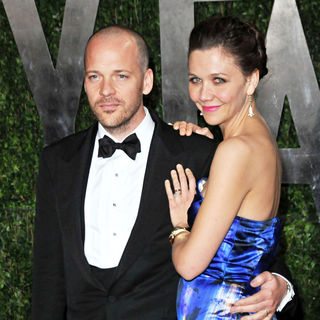 Peter Sarsgaard, Maggie Gyllenhaal in The 82nd Annual Academy Awards (Oscars) - Vanity Fair Party - Arrivals