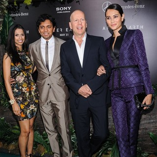 Bhavna Vaswani, M. Night Shyamalan, Bruce Willis, Emma Heming in New York Premiere of After Earth
