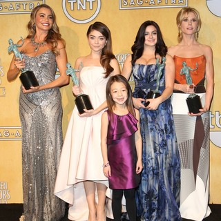 Sofia Vergara, Sarah Hyland, Aubrey Anderson-Emmons, Ariel Winter, Julie Bowen in The 20th Annual Screen Actors Guild Awards - Press Room