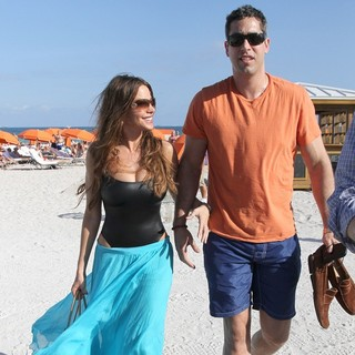 Sofia Vergara, Nick Loeb in Sofia Vergara and Nick Loeb Soaking Up The Sun on Miami Beach
