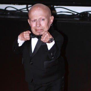 Verne Troyer in Muhammad Ali's Celebrity Fight Night XIII