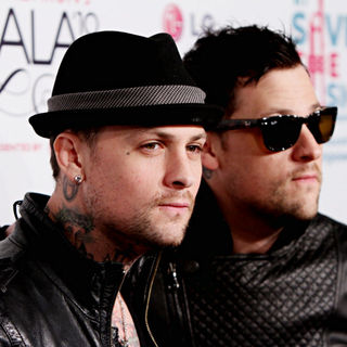 Benji Madden, Joel Madden in Vh1 Save The Music Foundation Gala