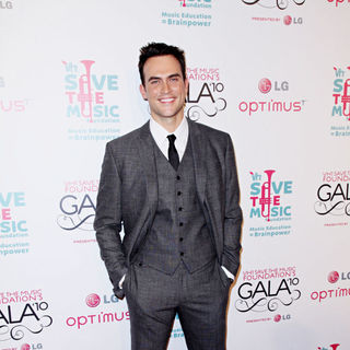 Cheyenne Jackson in Vh1 Save The Music Foundation Gala