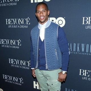 Victor Cruz in Beyonce: Life Is But a Dream New York Premiere