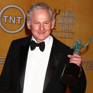 Victor Garber in 19th Annual Screen Actors Guild Awards - Press Room