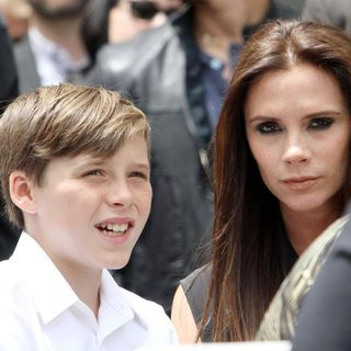 Brooklyn Beckham, Victoria Adams in Simon Fuller Receives A Star on The Hollywood Walk of Fame