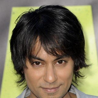 Vik Sahay in The Premiere of Savages
