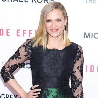 Vinessa Shaw in New York Premiere of Side Effects - vinessa-shaw-premiere-side-effects-01