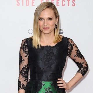 Vinessa Shaw in New York Premiere of Side Effects - vinessa-shaw-premiere-side-effects-04