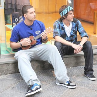 Vinny Guadagnino in Jersey Shore Cast Members Decide to do Some Busking in Order to Make A Little Extra Money