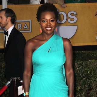 Viola Davis in 19th Annual Screen Actors Guild Awards - Arrivals - viola-davis-19th-annual-screen-actors-guild-awards-01