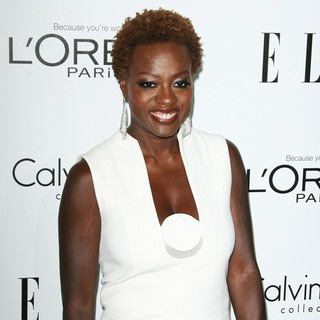 Viola Davis in ELLE's 19th Annual Women in Hollywood Celebration - Arrivals - viola-davis-elle-s-19th-annual-women-01