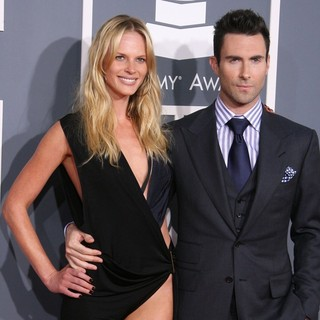 Anne Vyalitsyna, Adam Levine in 54th Annual GRAMMY Awards - Arrivals