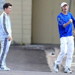 Mark Wahlberg, Michael Bay in Films A Chase Scene for The Movie Pain and Gain