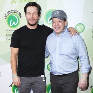 Mark Wahlberg - Grand Opening of Wahlburgers