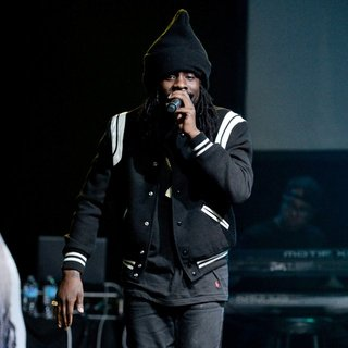 Wale - Wale Performing at The SIMPLE Mobile Simply Nothing Tour