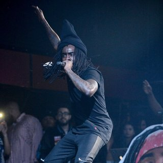 Wale Performing at The SIMPLE Mobile Simply Nothing Tour