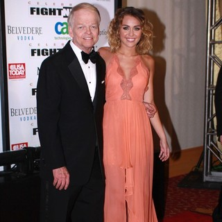 Jimmy Walker, Miley Cyrus in Muhammad Ali's Celebrity Fight Night XIII