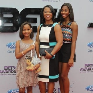 Qulyndreia Wallis, Quvenzhane Wallis, Qunyquekya Wallis in The 2013 BET Awards - Arrivals