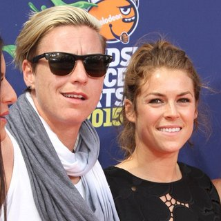 Abby Wambach, Kelley O'Hara in Nickelodeon Kids' Choice Sports 2015 Awards - Arrivals