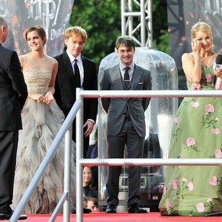 Emma Watson, Rupert Grint, Daniel Radcliffe, J.K. Rowling in Harry Potter and the Deathly Hallows Part II World Film Premiere - Arrivals
